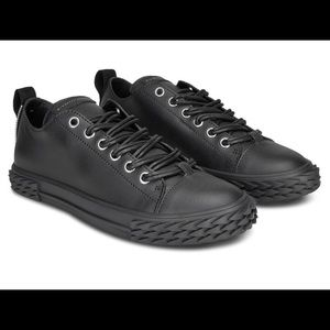 giuseppe zanotti NIB black leather lowtops